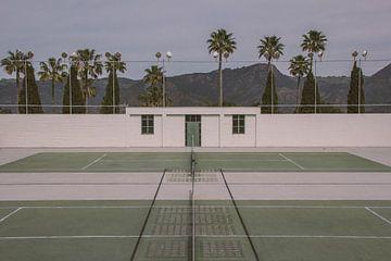 Retro tennisbaan van Bas Koster