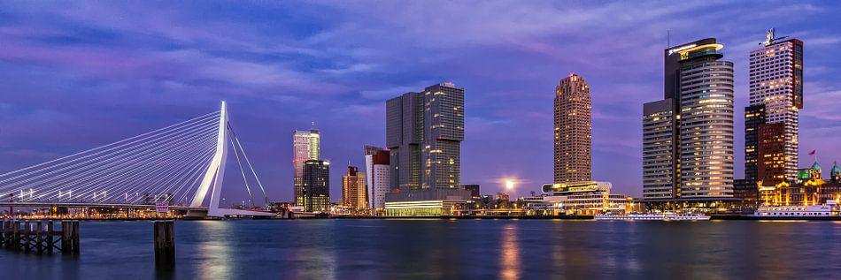 Maan over Rotterdam van Joris Beudel