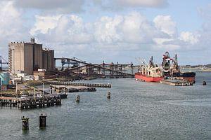 Zicht op de Europoort in de haven van Rotterdam