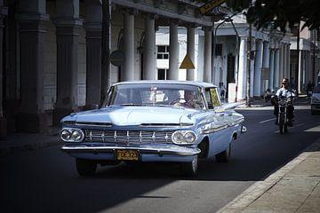 Voiture américaine classique à Cienfeugos Cuba sur