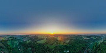 Sonnenaufgang Panorama über der Schwäbischen Alb im großen Lautertal von Capture ME Drohnenfotografie