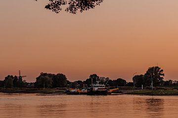 Pontje op de IJssel van Tessa Dommerholt