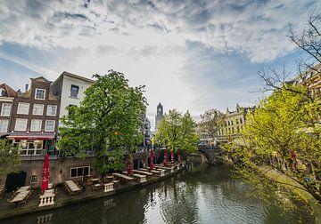 """""""Uitzicht over de Oude Gracht"""" en Dom in Utrecht van Kaj Hendriks"""