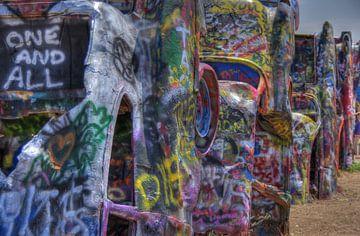 Spray painted Cadillacs sur Natasja Tollenaar