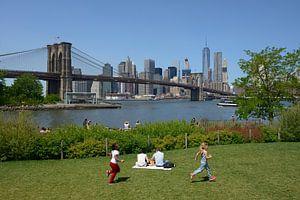 Brooklyn Bridge over de East River