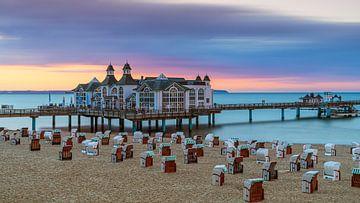 Sonnenuntergang am Strand von Sellin, Rügen, Deutschland von Henk Meijer Photography