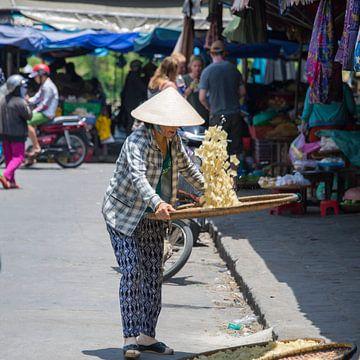 chipsmaker in Hanoi van Bram de Muijnck