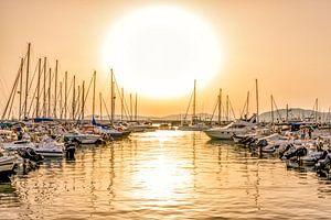 Zonsondergang bij de jachthaven