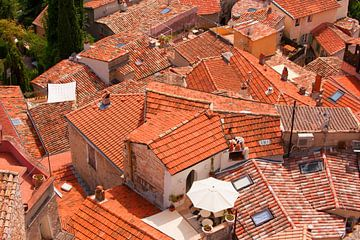 Italie daken van een klein dorp. van