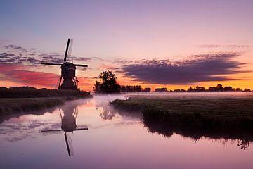 Lever du soleil au moulin sur