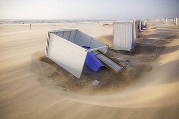 Tempête sur la plage de Katwijk sur Dirk van Egmond