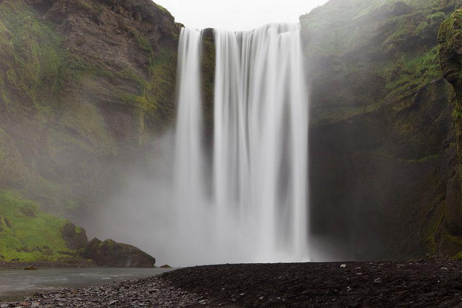 Skógafoss - Iceland van Arnold van Wijk