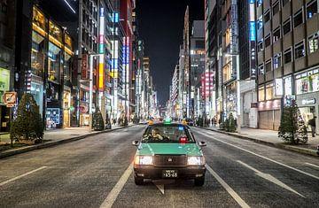 Tokyo straatbeeld  van Roel Beurskens