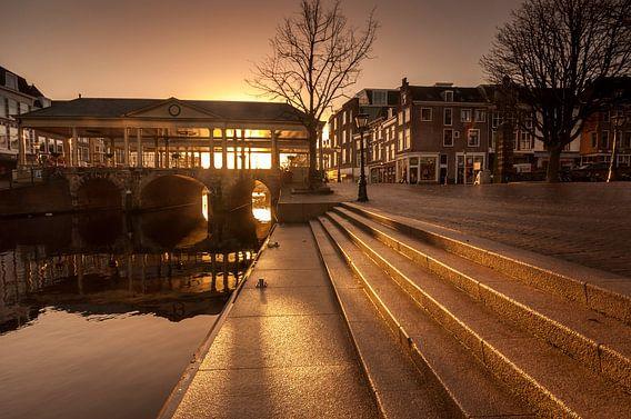Korenbeursbrug in Leiden van Martijn van der Nat