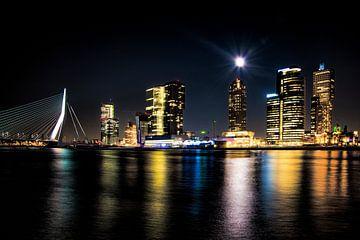 Rotterdam Wilhelminapier bij volle maan van Eisseec Design