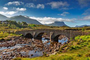 Pont historique à Sligachan, île de Skye