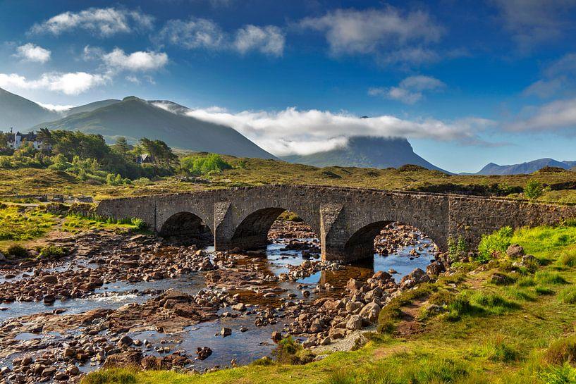 Pont historique à Sligachan, île de Skye sur Jürgen Wiesler