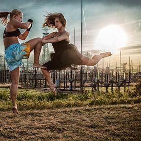 Kickboxer vs. Ballerina van Chau Nguyen