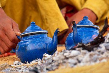 Wüste Sahara. Tuareg machen Tee von Frans Lemmens