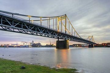 Le pont Krefeld-Uerdinger sur Michael Valjak