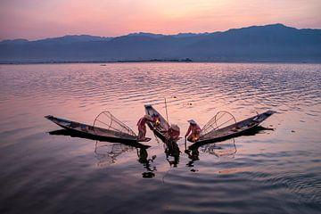 Vissen op het Inle meer van Antwan Janssen