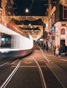 Utrechtsestraat in de avond van Ali Celik