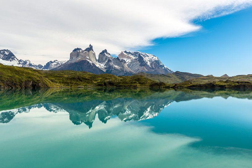 De Cordillera Paine in Torres del Paine van Gerry van Roosmalen