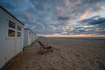 Strandhuisjes op het noordzeestrand van Michel Knikker