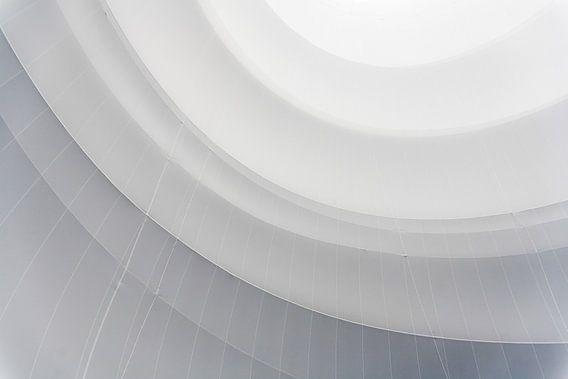 Witte cirkels van Jim van Iterson