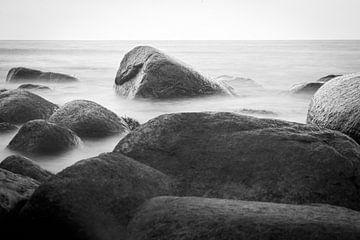 Felsen im Meer von Florian Kampes