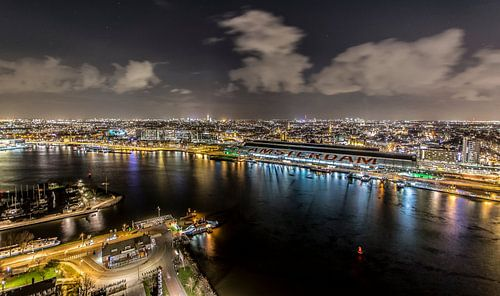 On top of Amsterdam, uitzicht vanaf A'DAM toren van
