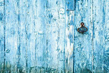 Houten deur met slot van Karel Pops