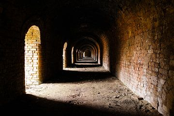 Mysterieuze verlaten steenfabriek van Devin Meijer