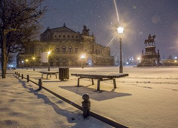 Theaterplein Dresden van Sergej Nickel