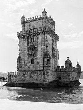 Torre de Belem Lissabon zwart wit van Monique Tekstra-van Lochem