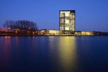 Rijkswaterstaatkantoor Westraven aan Amsterdam-Rijnkanaal von Donker Utrecht