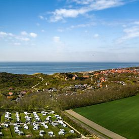 Dronebeeld van Zoutelande in de lente van Percy's fotografie
