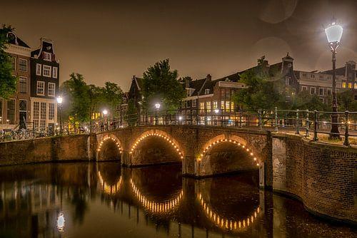 Aan de  Amsterdamse grachten... van Paul van Baardwijk