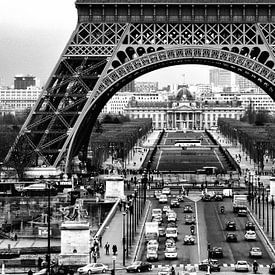 Eifeltoren Parijs van Bob Bleeker
