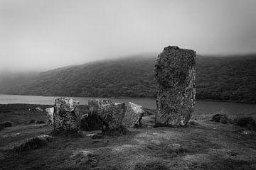 Uragh-Steinkreis an einem nebligen Tag von Licht! Fotografie