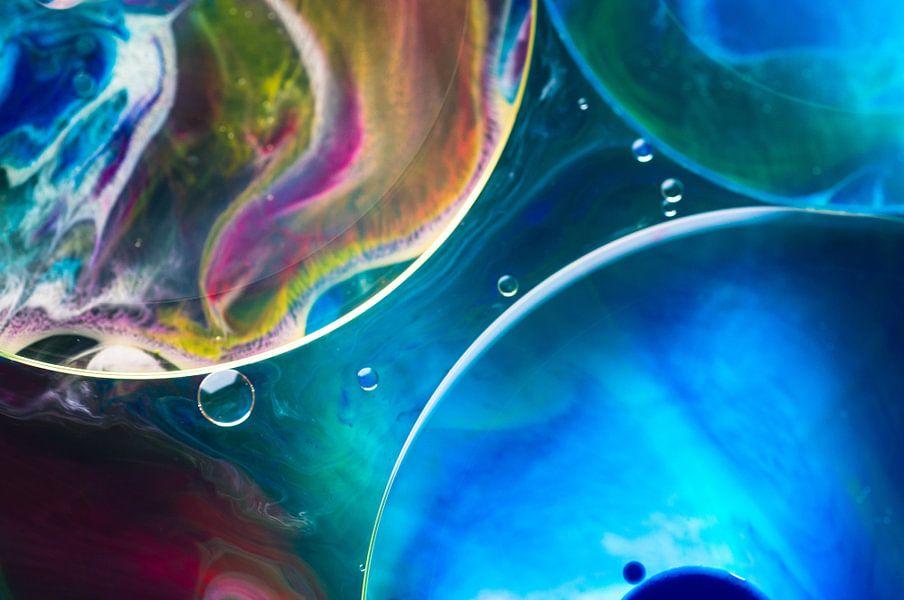 Cellen blauw van Edith Lüthi
