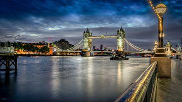 Londen - Tower Bridge - Thames van Rene Siebring