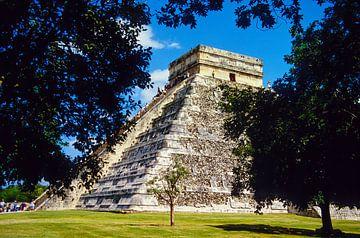 De piramide - analoge fotografie! van Tom River Art