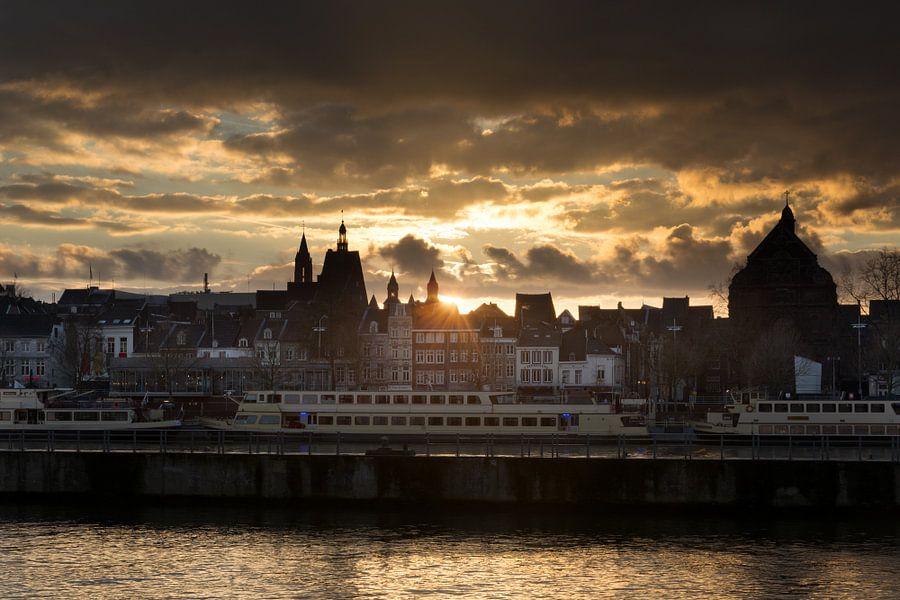 Maastricht tijdens zonsondergang