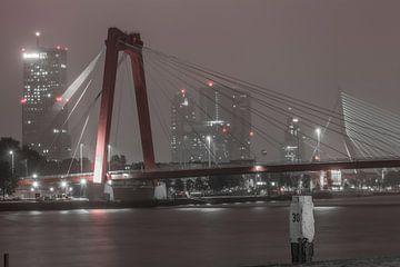 Rotterdam Willemsbrug (67160) van John Ouwens