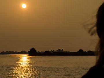 Segeln bei Sonnenuntergang von Ilse Schoneveld