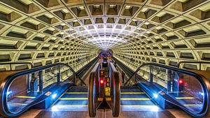 De futuristische architectuur van de Washington DC Metro (kleur) van