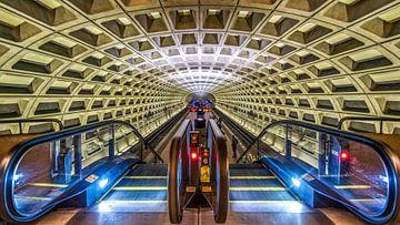 De futuristische architectuur van de Washington DC Metro (kleur) sur Arjan Schalken
