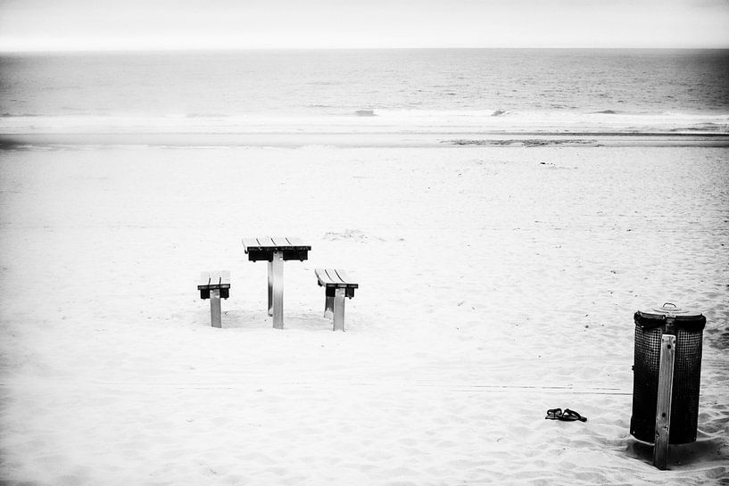 Beach picnick van Lex Schulte