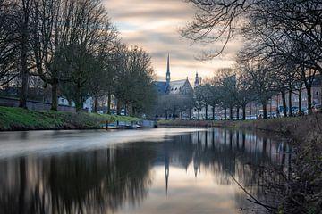 Tramsingel Breda mit St. Anna Kirche von Andre Gerbens